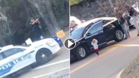 امريكا: فيديو يظهر استسلام طفلة للشرطة يثير الغضب