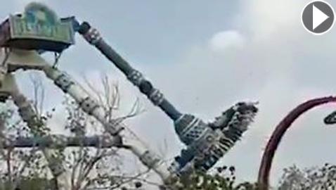 فيديو صادم: مصرع وإصابة العشرات بعد انقسام لعبة في متنزه بالهند